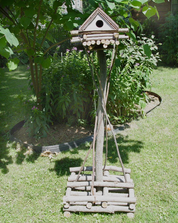 Item# 571 - Free Standing Bird House